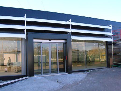 Mercedes smart roma tulli arredamenti 2012 for Mb arredamenti roma